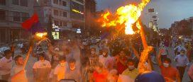 देउवालाई विश्वासको मत दिएको भन्दै युवा संघले जलायो माधव नेपालको पुतला